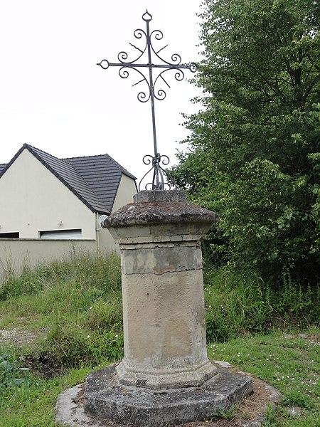 Manicamp (Aisne) croix de chemin