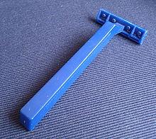 Maquinillas de afeitar desechables editar . Maquinilla desechable. c5c495358a45