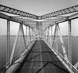 Marine Parkway–Gil Hodges Memorial Bridge - View of the roadway