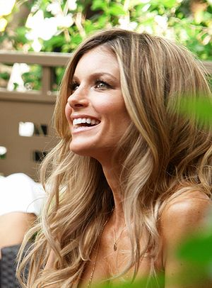 Victoria's Secret Fashion Show 2009 - Image: Marisa Miller at the Mirage Portrait
