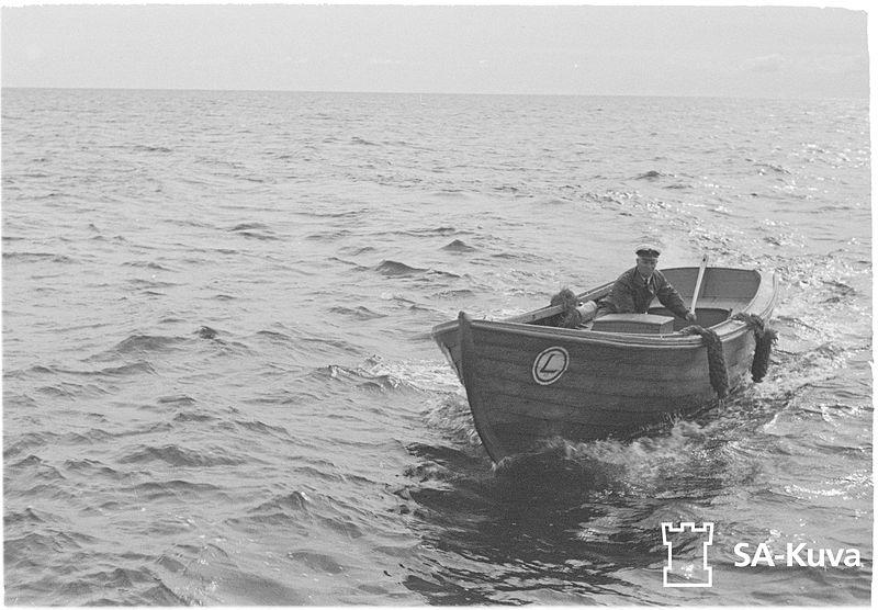 File:Maritime pilots from Kobba Klintar outside Mariehamn, Åland, Finland..jpg