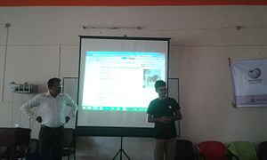 Masum at Bangla Wikipedia Workshop.jpg