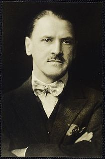Maugham facing camera.jpg