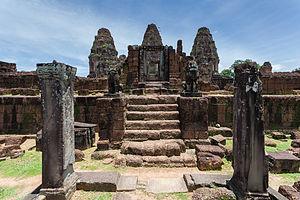 East Mebon - Image: Mebon Oriental, Angkor, Camboya, 2013 08 17, DD 05