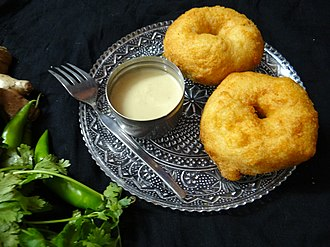 Vada (food) - Medu vadas served with coconut chutney