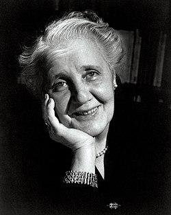 Melanie Klein 1952.jpg