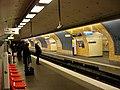 Metro Paris - Ligne 6 - station Etoile 01.jpg