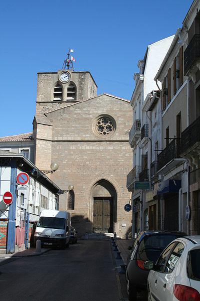 Mèze (Hérault) - façade de l'église Saint-Hilaire.