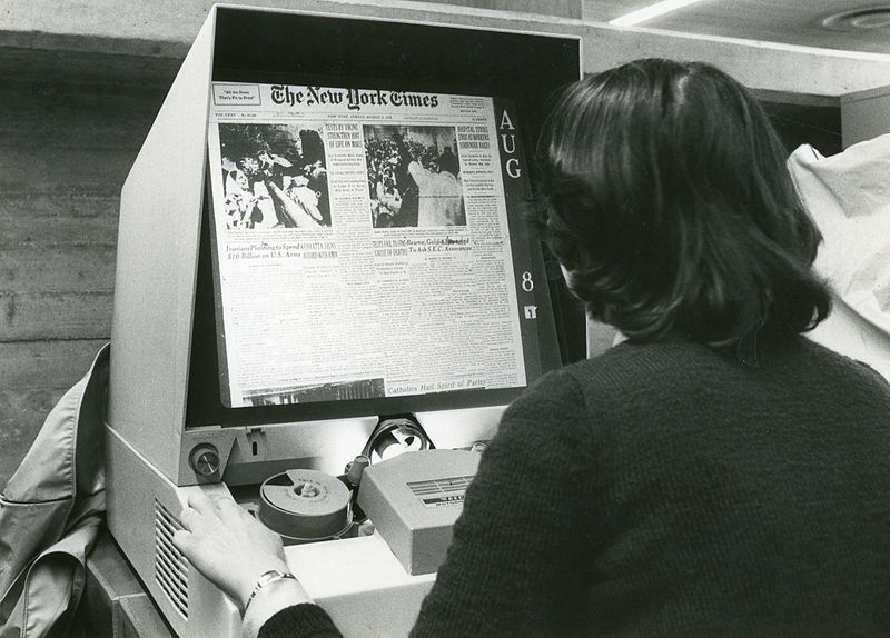 File:Microfilm reader for articles and daily papers.jpg