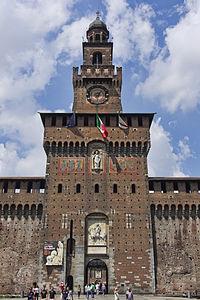 Milan - Castello Sforzesco - Entree.jpg