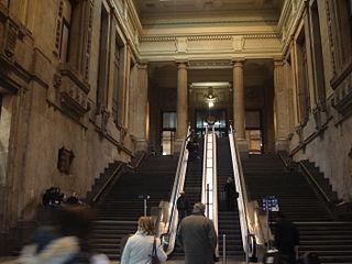 Milano - Stazione centrale - Atrio delle scale mobili - Foto Giovanni Dall'Orto - 30-12-2006 - 01.jpg