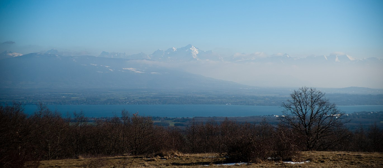 Le Mont Blanc depuis le Mont Mourex au dessus de Divonne-les-Bains.