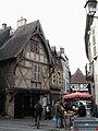 Montluçon rue des Cinq Piliers 1.jpg