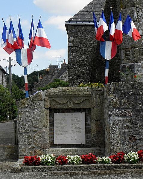 Monument aux morts de Montreuil, commune de Montreuil-Poulay (53).