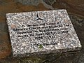 Monument at Waun y Pound - geograph.org.uk - 490523.jpg