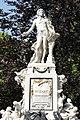 Monument of Mozart, Vienna - panoramio.jpg