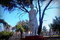 Monumento, estación de Wilde.jpg