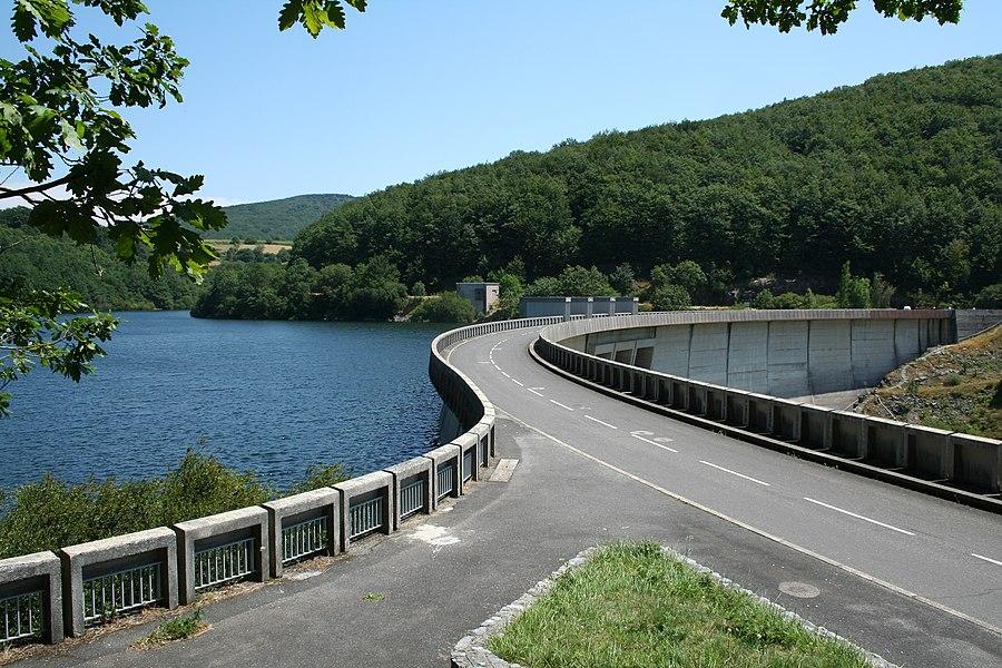 Nages (Tarn, Midi-Pyrénées, France) - Barrage et lac du Laouzas.