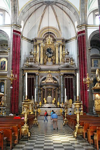 "Temple of San Felipe Neri ""La Profesa"" - Nave and altar of church"