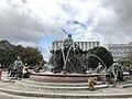 Neptunbrunnen 035.jpg