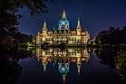 Neues Rathaus bei Nacht.jpg