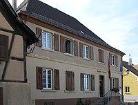 Niederentzen, Mairie-école.jpg