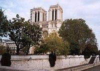 Notre Dame Cathedral Facade.jpg