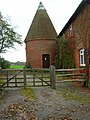 Oast House, Holdens Farm - geograph.org.uk - 267514.jpg