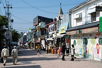 7'scarlet - The town of Okunezato was based on Karuizawa; the main street was largely unchanged from the real-life Old Karuizawa Ginza Avenue (pictured).