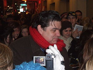 Oliver Platt - Platt greets fans outside the Nederlander Theatre in Manhattan after a performance of Guys and Dolls on February 21, 2009.