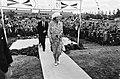 Op 21 augustus 1980 wordt het hoge bezoek hartelijk toegejuicht door de Kreilero, Bestanddeelnr 930-9774.jpg