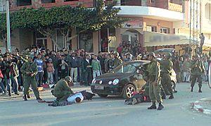 Tunisian Revolution - Tunisian soldiers serving as gendarmes