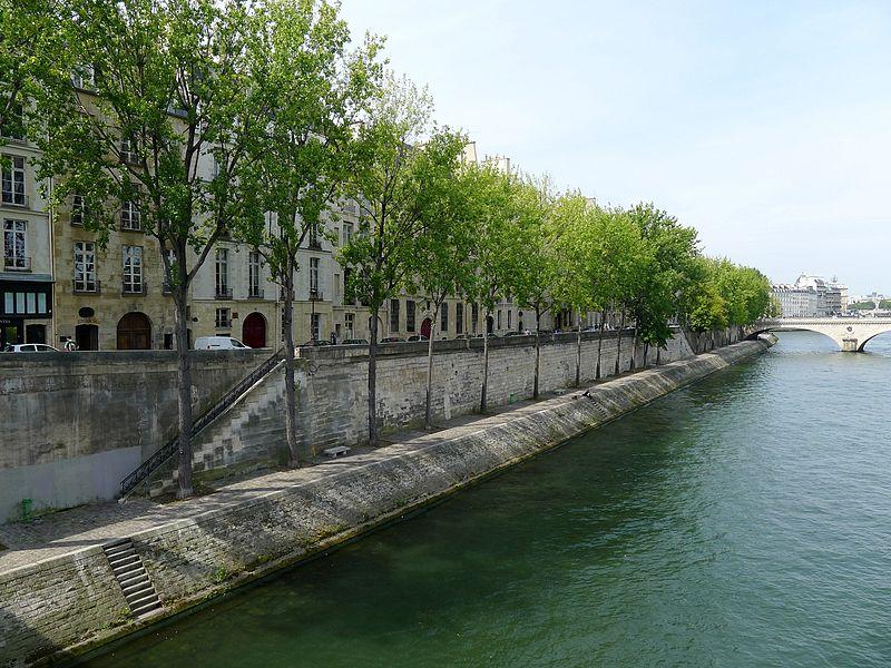 Fichier:P1040598 Paris iV quai de Bourbon rwk.JPG