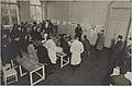Palautetilaisuus, opiskelijoiden töitä seinällä, 1920-luku.-TaiKV-07-033.jpg