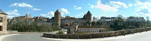 Semur en Auxois dans Ma Bourgogne En détails 480px-Panorama-Semur1