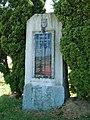Pavlovice - památník.jpg