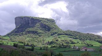 Pietra di Bismantova - Pietra di Bismantova seen from Croce, in the comune of Castelnovo ne' Monti.