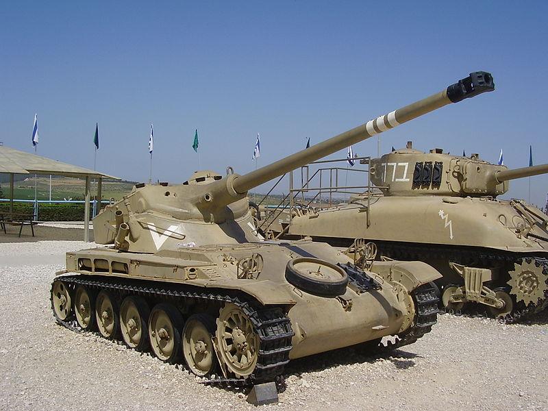 טנק AMX-13 במוזיאון יד לשריון
