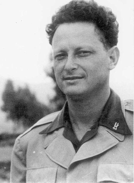 יגאל אלון