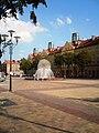 Plac Baczyńskiego z fontanna.JPG