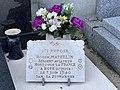 Plaque à MATHELIN Roger Claude (aviateur tué en Somme en 1940) au cimetière de Beynost.jpg