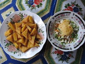"Burmese tofu - Hnapyan gyaw or ""twice fried "" Shan tofu fritters served with a side salad at Inle Lake"