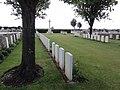 Poix-du-Nord (Nord, Fr) Tombes de guerrre CWGC.JPG