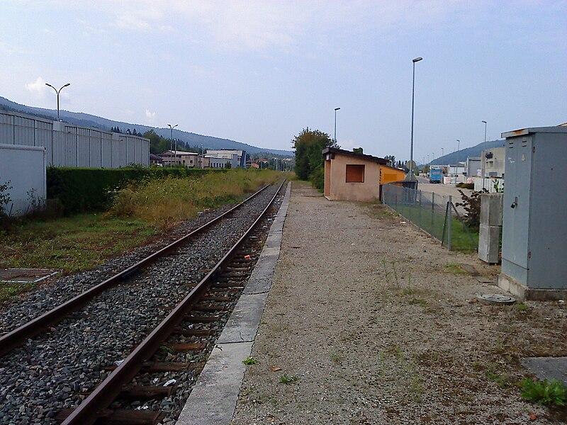 Le quai de la gare de Bellignat