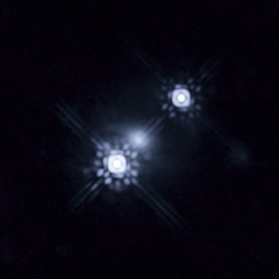 Quasar HE 1104-1805