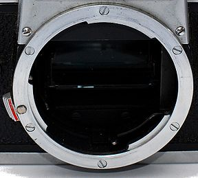 R-Mount of Leicaflex SL.JPG