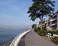 Rheinpromenade Emmerich am Rhein Richtung Westen 2003.jpg