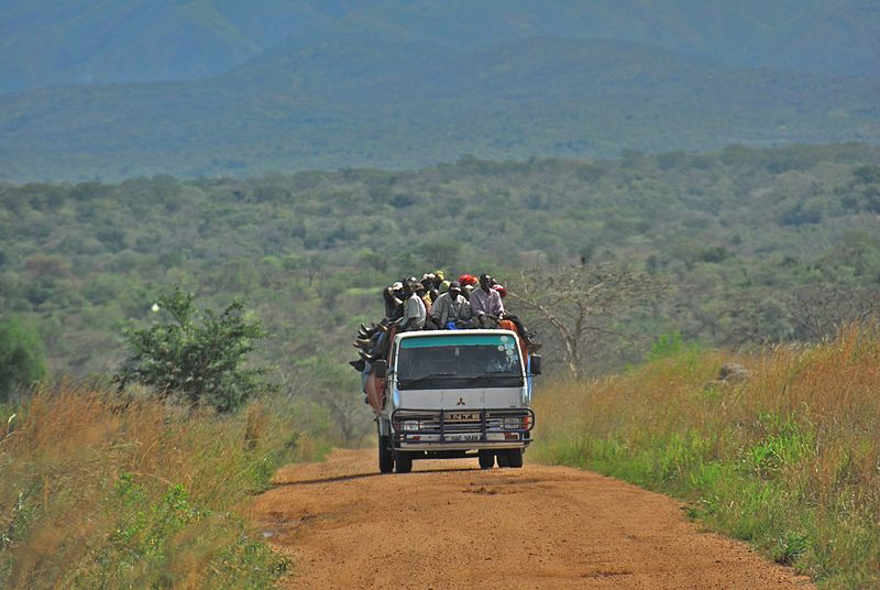 File:Road between Fort Portal and Rebisengo - Flickr - Dave Proffer (7).jpg