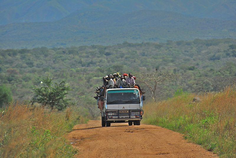 File:Road between Fort Portal and Rebisengo - Flickr - Dave Proffer (7).jpg