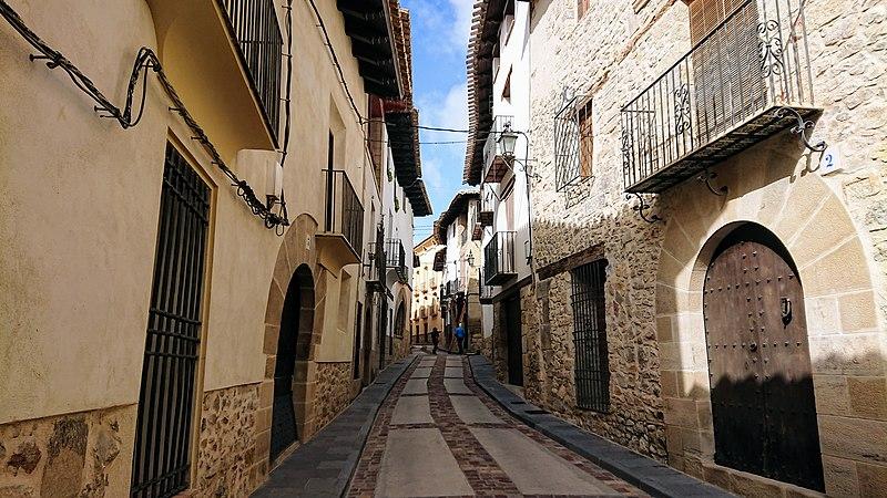 File:Rubielos de Mora 2, Teruel (España).jpg